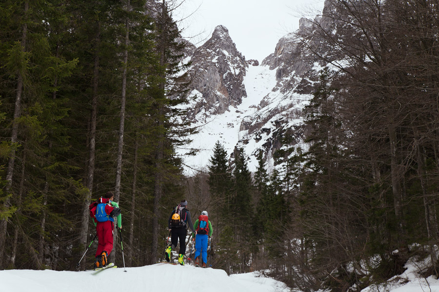 6_ski_touring_forcella_della_lavina_start