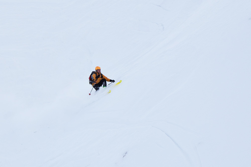 7_ski_touring_descend_slovenia