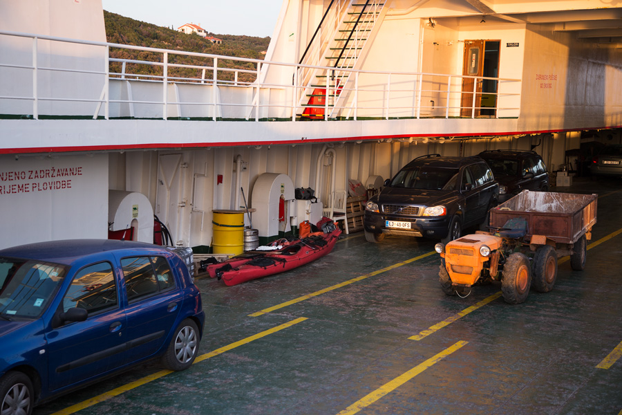 adventure_kayaking_car_ferry