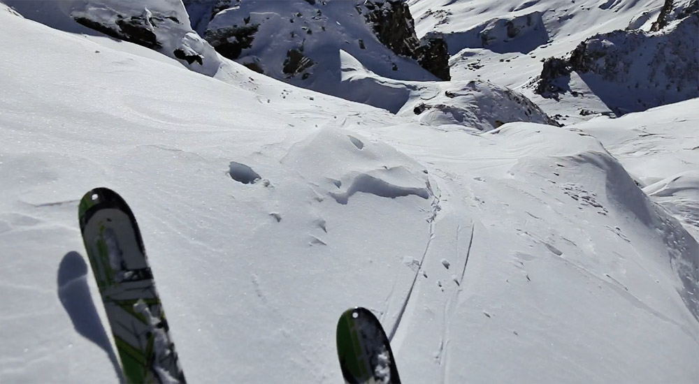 downhill_on_ski_touring_adventure