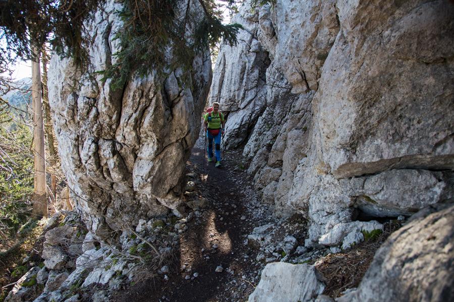 hiking_via_dinarica_on_velebit