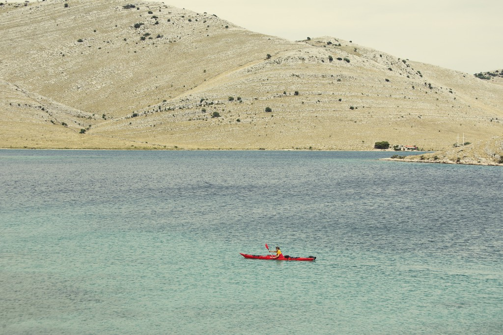 sea-kayaking-adventure-with-main-kornat-island
