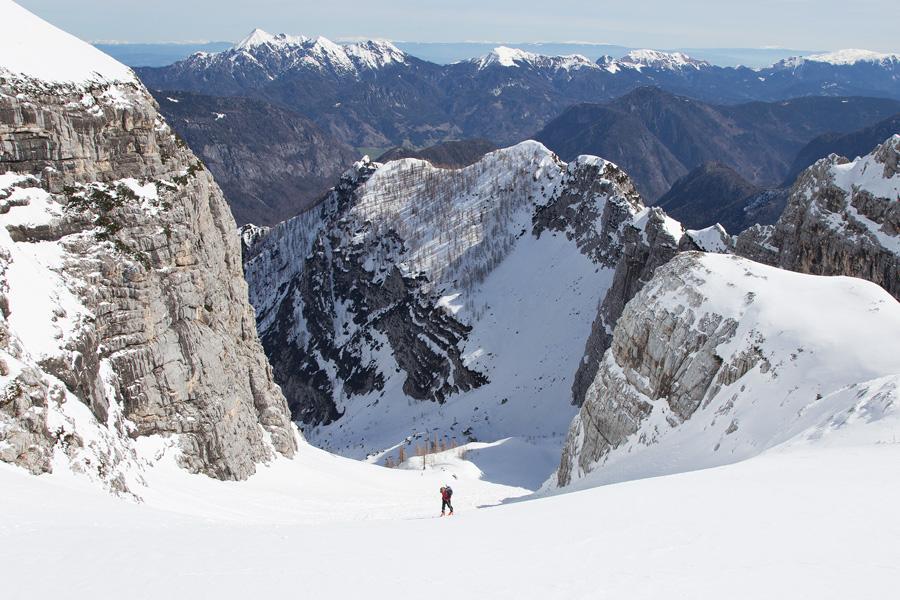 spring_ski_touring_in_slovenia