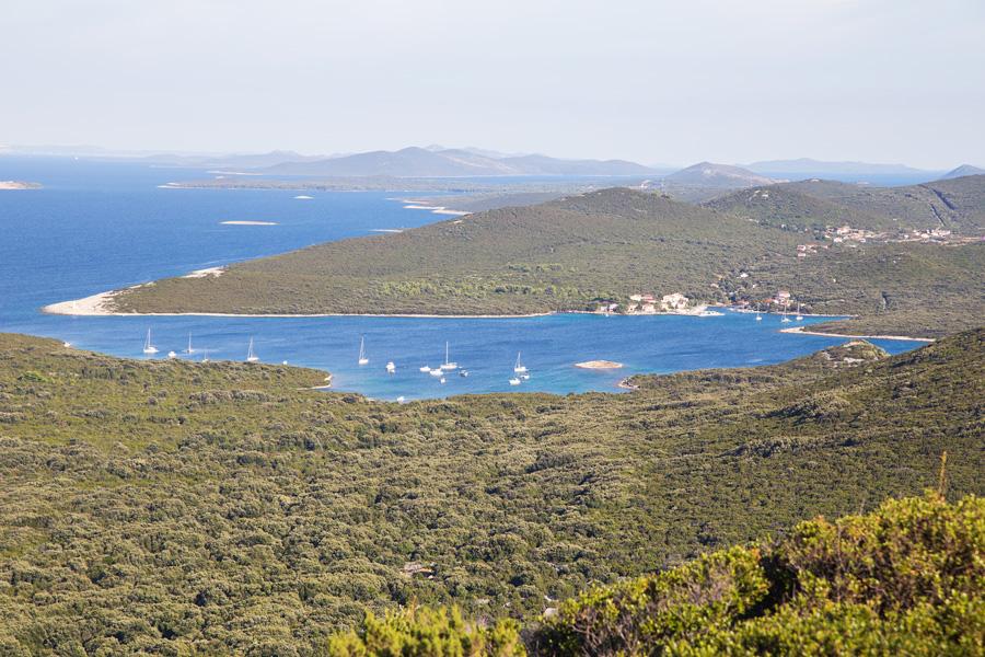 village_zapuntel_on_island_molat